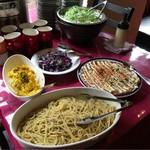 鉄板焼きバール ピアチェーレ - お惣菜ビュッフェコーナー
