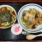 57233296 - チャーシュー刀削麺と中華丼