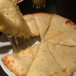 シシュマハル - チーズナン
