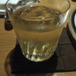 バー メリーウイドウ - ロック。氷が丸くて嬉しい