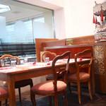 パパ・アントニオ - イタリアの食堂のようなお洒落な内装