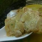萩原家 - チャーシューは小振りですが、美味しかったですよ。