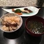 菅井 - 2016/10 釜飯 栗と舞茸
