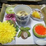 57242373 - 八寸①トリュフとチーズの茶碗蒸し(エリンギ、マッシュルーム、銀杏、トリュフ、百合根)、②里芋・枝豆③インカの目覚め④シャインマスカットの白和え⑤いくらの塩漬け⑥アンチョビ⑦カマスの燻製の棒寿司