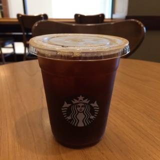 スターバックス・コーヒー 浦和パルコ店 - カフェ アメリカーノのTallサイズ。 税込367円。 うまし。