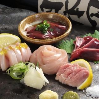 鮮度にこだわる贅沢な逸品。大和肉鶏のお造り盛り合わせ。
