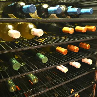 お肉に合うワインを豊富にご用意しております