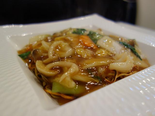 中国料理 陸 - 五目やきそば(\850)