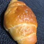ベーカリーカフェ シェノン - 料理写真:塩バターロール