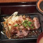 恵比寿ダイニング 囲本 - 鉄板 豚の生姜焼きランチ880円