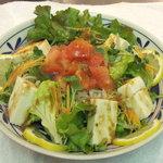 真田の里 - 料理写真:ネーミングがいいトマトと豆腐の戦国サラダ