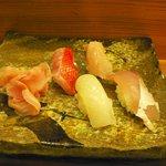 松鮨 - 地魚寿司(真イカ、カンパチ、金目鯛、鰆)