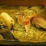 松鮨 - 地魚寿司(アワビ、カマス炙り、〆鯖)