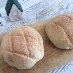 おうちcafe パン工房 - 料理写真:めろんぱん
