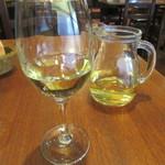 BONCOURAGE - デキャンタワインの白