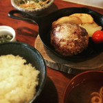 outdoor grill&cafe  STOVE - 黒黒ハンバーグ定食