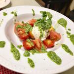 ラマーノディマルコ - マルコ自家製リコッタチーズとフレッシュトマトのカプレーゼ