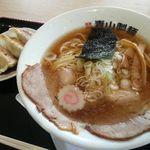 青山製麺 - 焼きあご醤油ラーメン&ランチ餃子