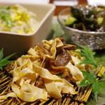 蓮香 - 押し豆腐ととりもも茸の香り和え