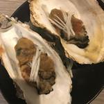 赤坂見附 個室 和食ビストロ 日本酒にするか ワインにするか - 牡蠣の塩辛