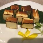 赤坂見附 個室 和食ビストロ 日本酒にするか ワインにするか - 自家製チーズとクリームチーズ炙り
