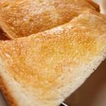 点と線 - バタートースト
