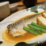 やよい軒 - 料理写真:サバ味噌煮定食