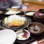 華屋与兵衛  - 松茸ご飯と熟成ロースカツ膳(¥1680・税別)