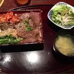 松阪苑 - 黒部和牛の焼肉重 ¥990-