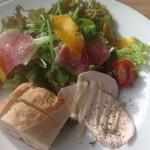 カフェ ラ・ボエム - 前菜とサラダ