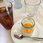 57294150 - 紅茶とマンゴーパンナコッタ