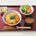 やまと豚ロースカツ丼(平日)