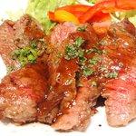 Barliminal  - 本日のお肉料理 1200円 の牛ハラミのステーキ
