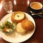 珈琲館 - 利府の珈琲館にて「グラタンパン」と「カフェインレスミルク珈琲」。  利府に新しく出来た珈琲館です。居心地の良い雰囲気でした(^_^)☆