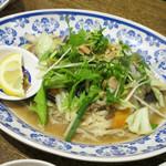チョップスティックス - 豚肉と野菜の炒めフォー 890円
