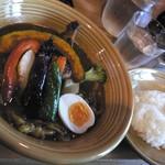 カレー&ごはんカフェ オウチ - チキンカレー(1,080円+100円)