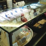 アブルーム  - 焼菓子棚