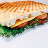 トランジットカフェ イリイ - 料理写真:このサックサクに焼かれたパンが物凄く良いハミング醸し出す♪