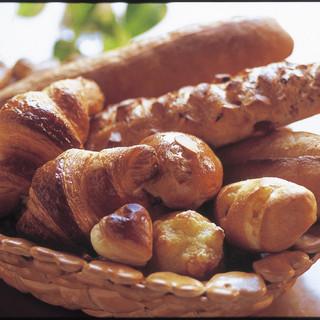 香り豊かな十勝産小麦使用
