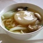 57314873 - 鮮帯子湯伊麺(帆立入りきし麺風つゆそば)