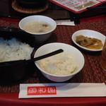 57314945 - 先にお櫃入り御飯、搾菜、スープが提供される