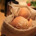 オービカ モッツァレラバー - パンもちゃんとリベイクしてあります