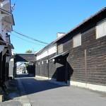 御代桜醸造 - 御代桜醸造は太田宿の中心に位置する