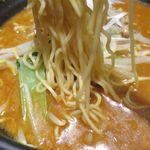 坦坦麺 利休 - 担々麺醤油の細ストレート麺