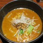 坦坦麺 利休 - 担々麺醤油のアップ