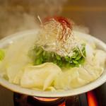 炉端 調風 - 料理写真:冬の人気者!もつ鍋