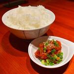 炭火焼肉 ホルモン横丁 - チャンジャと白飯(2016年10月2日)