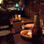 エラドゥーラ - 料理もいけますが、異国に来た感じの店の雰囲気もよし。深夜にちょっと飲みに寄る隠れ家に