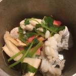 とも吉 - 鱧と松茸の土瓶蒸し