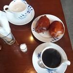 旬の珈琲たく - ブレンド深煎り、カフェオレ、自家製パン